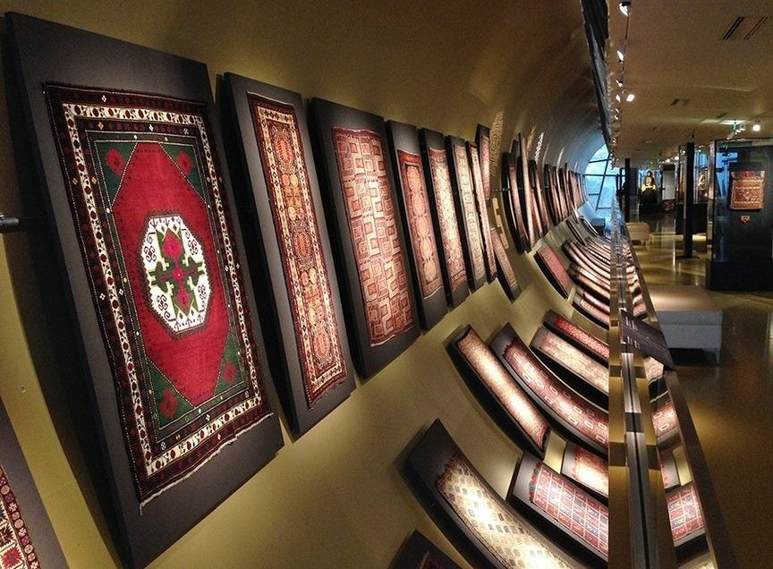 Guided Azerbaijan. Carpet Museum. Museum Tours. Guided Tours Baku. Baku City Tour. Baku Boulevard