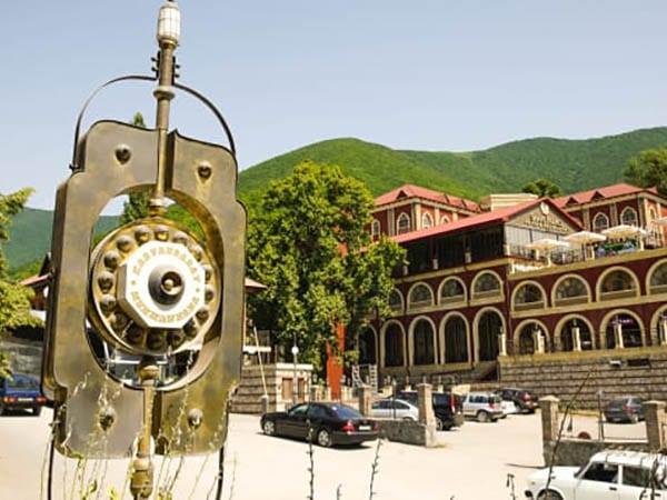 Sheki Azerbaijan – Sheki Khans Palace, Shekikhanov House,  Caravanserai, Sheki fortress